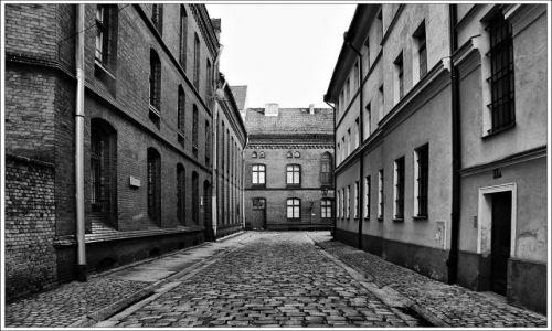 Zdjecie POLSKA / dolnyśląsk / Wrocław / JEDNA Z ULICZEK NA OSTROWIE TUMSKIM