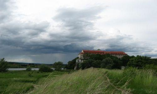 Zdjecie POLSKA / małopolskie / Opactwo Benedyktynów w Tyńcu / ... a parasol w