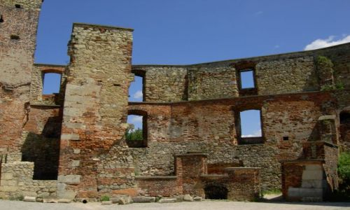 Zdjecie POLSKA / śląskie / Siewierz / zamek wnętrze
