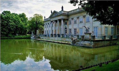 POLSKA / Warszawa / Park łazienkowski / W Parku Łazienkowskim