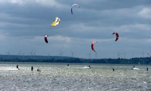 Zdjecie POLSKA / pomorze / Hel / Wiatr