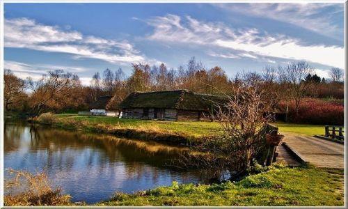 POLSKA / lubelszczyzna / Muzeum Wsi Lubelskiej / Pejzaż jesienny