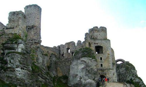 Zdjecie POLSKA / Jura Krakowsko-Częstochowska / Ogrodzieniec /  Szlak Orlich Gniazd -  Ruiny zamku rycerskiego w Ogrodzieńcu