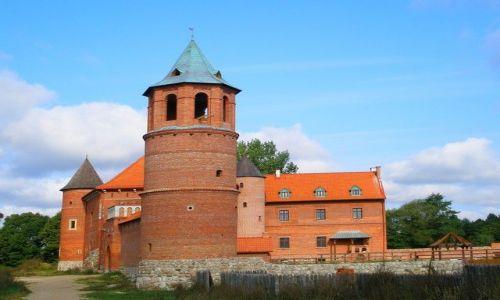 Zdjęcie POLSKA / Podlasie / Tykocin / odrestaurowany zamek królewski nad Narwią