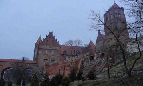 Zdjecie POLSKA / Pomorze / Kwidzyn / Kwidzyński zamek wieczorową porą