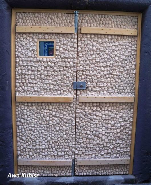 Zdjęcia: Funchal, Wyspa Madera, Galeria na drzwiach starego miasta, PORTUGALIA