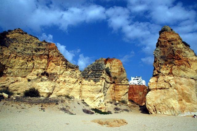Zdj�cia: praia de rocha, algarve, wdar� sie pomiedzy ska�y, PORTUGALIA