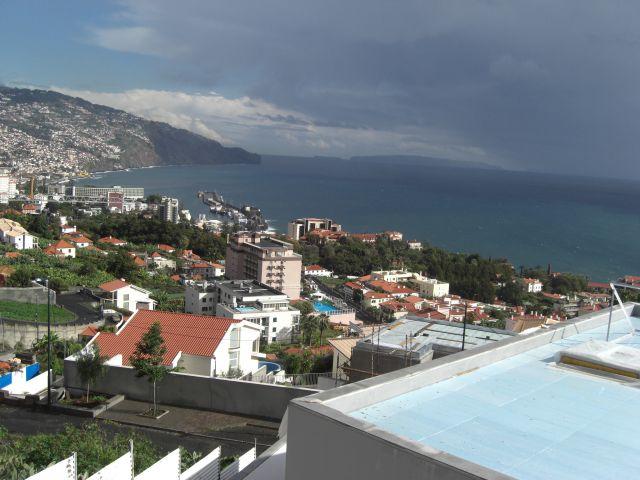 Zdjęcia: MADEIRA, Wyspa Madeira i widok na miasto FUNCHAL, PORTUGALIA