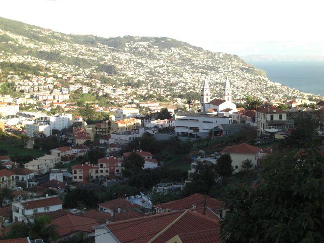 Zdjęcia: Madeira - Funchal, W całej okazałości miasteczko Funchal, PORTUGALIA