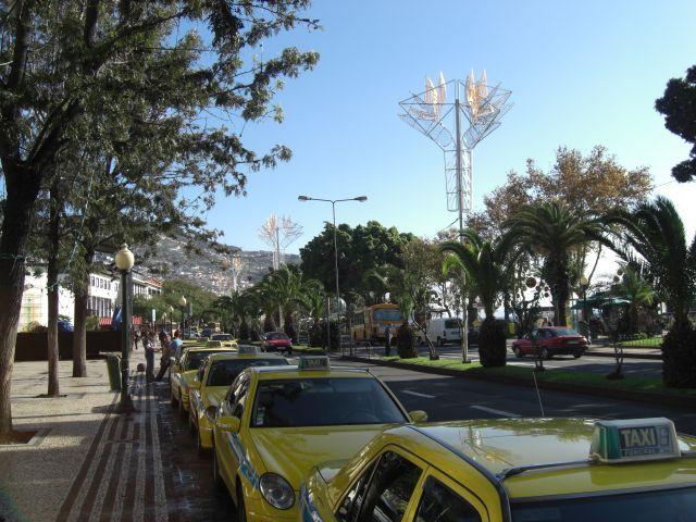 Zdj�cia: Madeira - Funchal, Ulica przy pla�y , PORTUGALIA