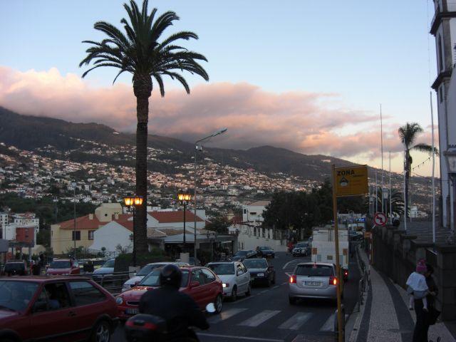 Zdj�cia: Madeira - Funchal, Pi�kny widok wieczorkiem na miasto, PORTUGALIA