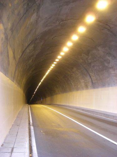 Zdjęcia: Madeira - Funchal, Tunelik he 2, PORTUGALIA