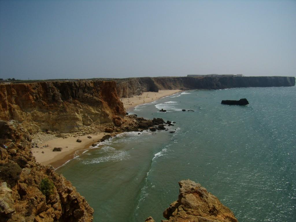 Zdjęcia: Przylądek Sagres, Plaża Torel, Sagres, klif, PORTUGALIA