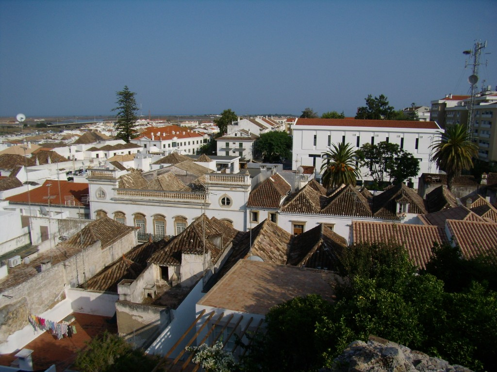 Zdjęcia: Tavira,   , dachy, PORTUGALIA
