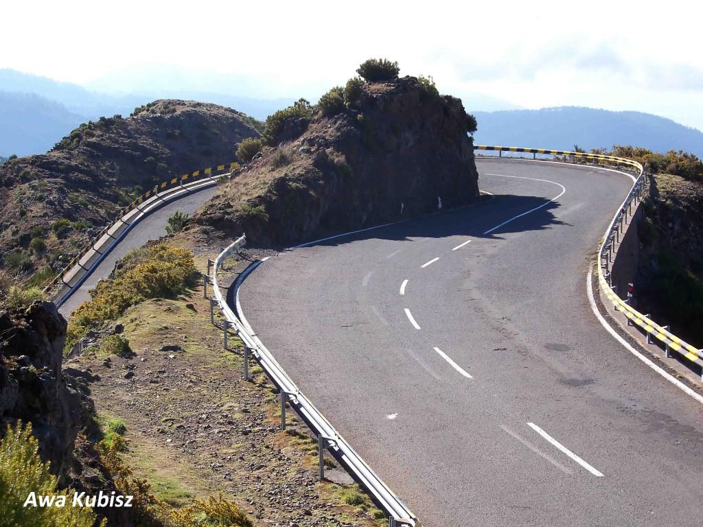 Zdjęcia: Góry wewnątrz wyspy, Wyspa Madera, Drogi pełne zakrętów, PORTUGALIA