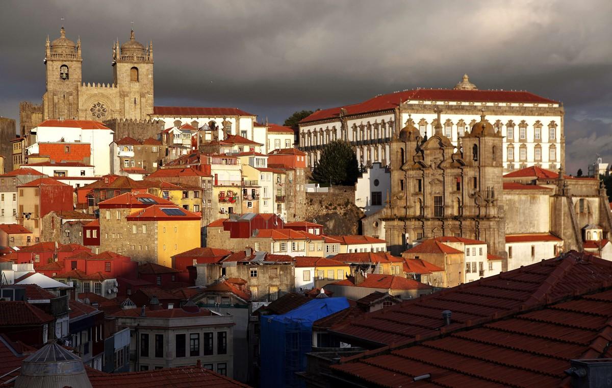 Zdjęcia: Miradouro da Vitória, Porto, Katedra i kościół Jezuitów, PORTUGALIA