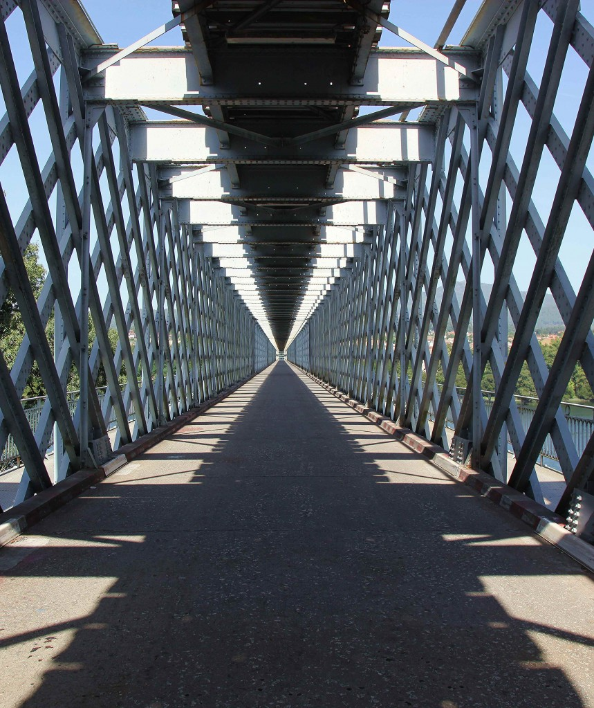Zdjęcia: Valenca do Minho, Viana do Castelo, Most na rzece Minho, PORTUGALIA