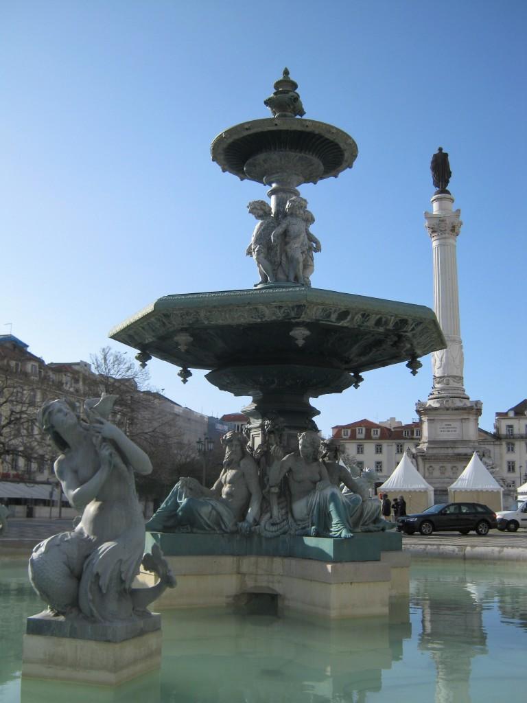 Zdjęcia: Lizbona, Lizbona, Fontanna na placu Rossio, PORTUGALIA