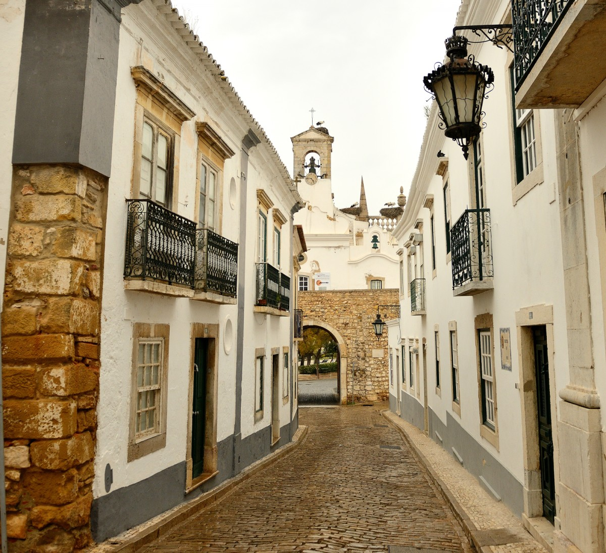 Zdjęcia: Albufeira, południe Portugalii, Bociany, PORTUGALIA
