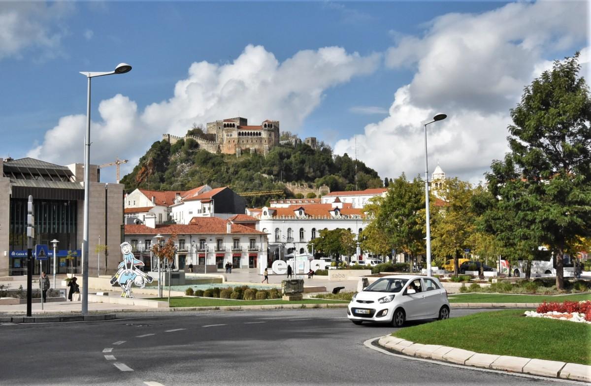 Zdjęcia: Leiria, Środkowa Portugalia, Leiria, widok na zamek, PORTUGALIA