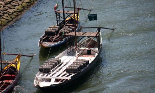 Zdjecie PORTUGALIA / - / PORTO / Transport wina w Porto