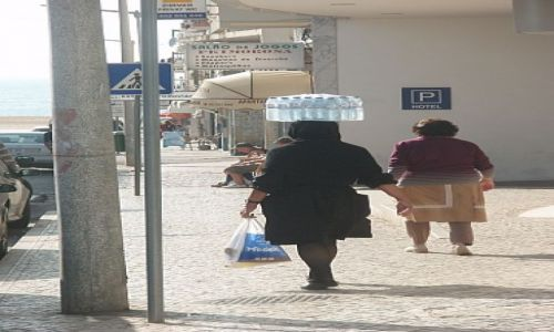 Zdjęcie PORTUGALIA / Nazare / Nazare / starsza portugalka