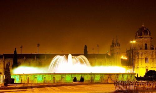 Zdjęcie PORTUGALIA / Lisbona / Lisbona / Belem / fontanna w Belem