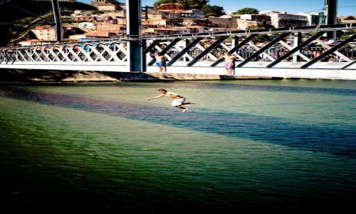 Zdjecie PORTUGALIA / - / Porto / Skok z mostu