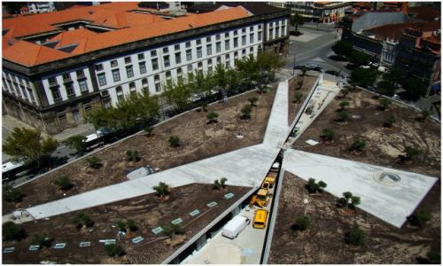 Zdjecie PORTUGALIA / Porto / Widok z wieży Torre dos Clerigos / Wszystkie drogi prowadzą do...
