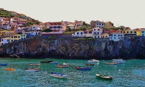 PORTUGALIA / Madera / Camara de Lobos / Na lądzie, na wodzie