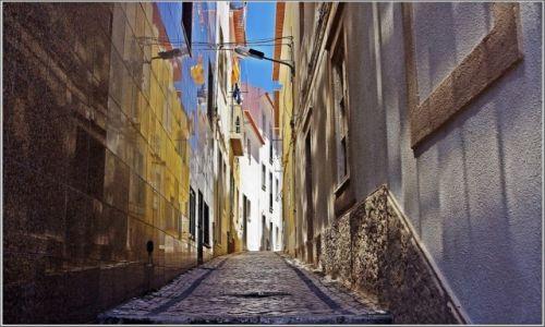 Zdjecie PORTUGALIA / Centrum / Nazaré / Uliczka w Nazaré