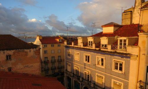 Zdjęcie PORTUGALIA / Lizbona / Alfama / Jak dobrze wstać skoro świt...