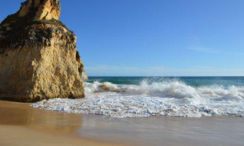 Zdjęcie PORTUGALIA / Algarve / Klify na plazy Tres Irmaos / Klify