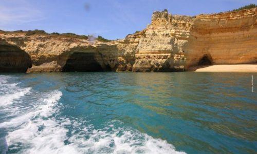 Zdjecie PORTUGALIA / Algarve / Benagil,Lagoa / Wodnymi szlakami po oceanicznych jaskiniach