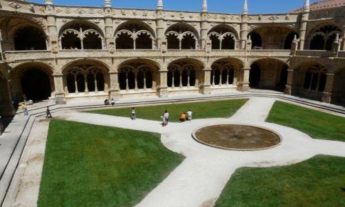 PORTUGALIA / -Portugalia / Lizbona / Klasztor Hieronimitów - dziedziniec