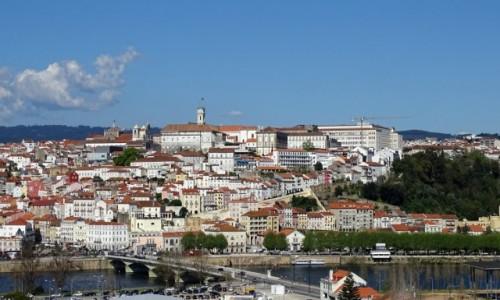 PORTUGALIA / Centrum / widok na miasto spod nowego Klasztoru �w. Klary / Uniwersytecka Coimbra