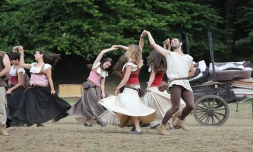PORTUGALIA / Porto e Norte / Santa Maria da Feira / Tańce średniowieczne podczas festiwalu Viagem Medieval em Terra de Santa Maria