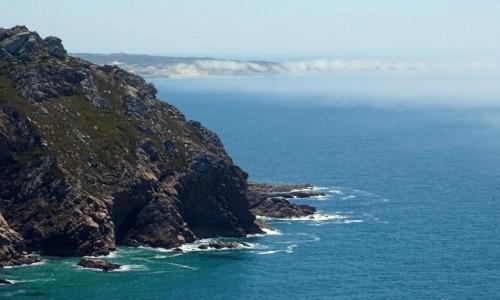 Zdjęcie PORTUGALIA / Park Narodowy Sintra-Cascais / Cabo da Roca / Mgielne kłębuszki