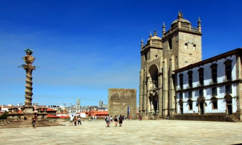 Zdjęcie PORTUGALIA / Porto / Wzgórze Pena Ventosa. / Plac Katedralny, czyli Terreiro da Sé