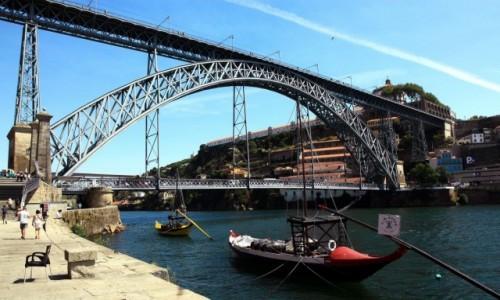 Zdjęcie PORTUGALIA / Porto / Rzeka Douro / Dwa brzegi