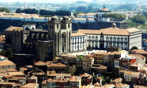 Zdjęcie PORTUGALIA / Porto /  Miradouro da Vitória  / Katedra Se do Porto i Pałac biskupi