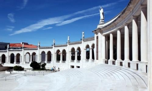 Zdjęcie PORTUGALIA / Dystrykt Santarém / Fatima / Krużganki świątyni