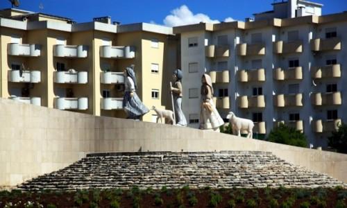 Zdjęcie PORTUGALIA / Dystrykt Santarém / Fatima, rondo / Pomnik Małych Pasterzy