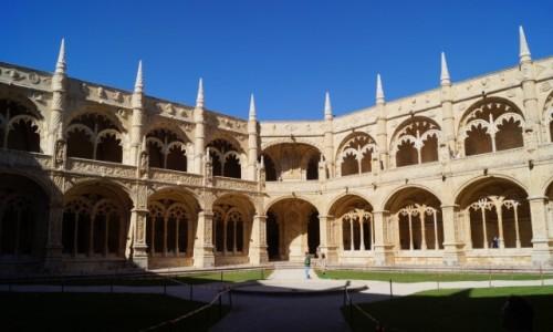 Zdjęcie PORTUGALIA / Lizbona / Klasztor Hieronimitów / Dziedziniec klasztoru