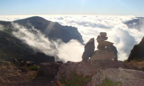 Zdjecie PORTUGALIA / Madera / Pico Arieiro koło radaru NATO / Pico Arieiro-wszedzie słońce tylko tu 1 chmura