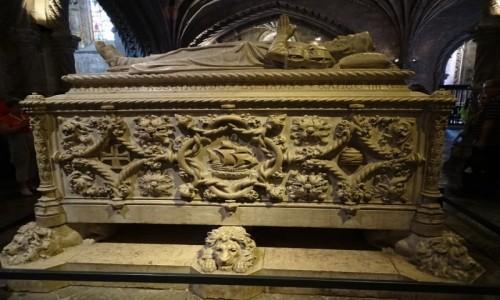 Zdjecie PORTUGALIA / dystrykt Lizbona / Lizbona -klasztor Hieronimitów-sarkofag Vasco da Gamy / Odkrywca...