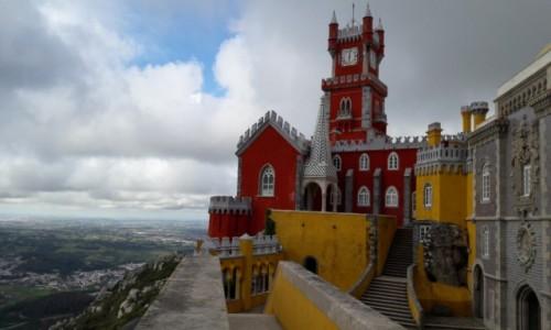 Zdjęcie PORTUGALIA / Sintra / Sintra / fragment;   Palac Pena
