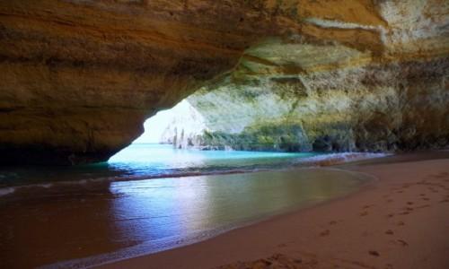 Zdjęcie PORTUGALIA / Algarve / Benagil / -grota Algar de Benagil -