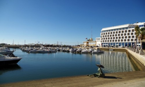 Zdjęcie PORTUGALIA / algarve / Faro  /  - syrenka z Faro  -