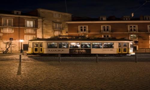 Zdjęcie PORTUGALIA / Lizbona / centrum  / czekając